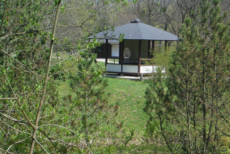 Pavilion in Japanese garden