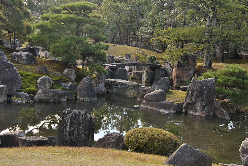 Two bridges to the Horay island, Ninomaru Garden, Nijo Castle